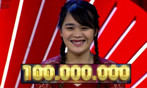 Cô gái răng súng ẵm 100 triệu đồng vì trù dập 'cả thế giới'