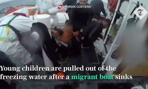Tuần duyên Italy cứu 145 người di cư giữa biển động