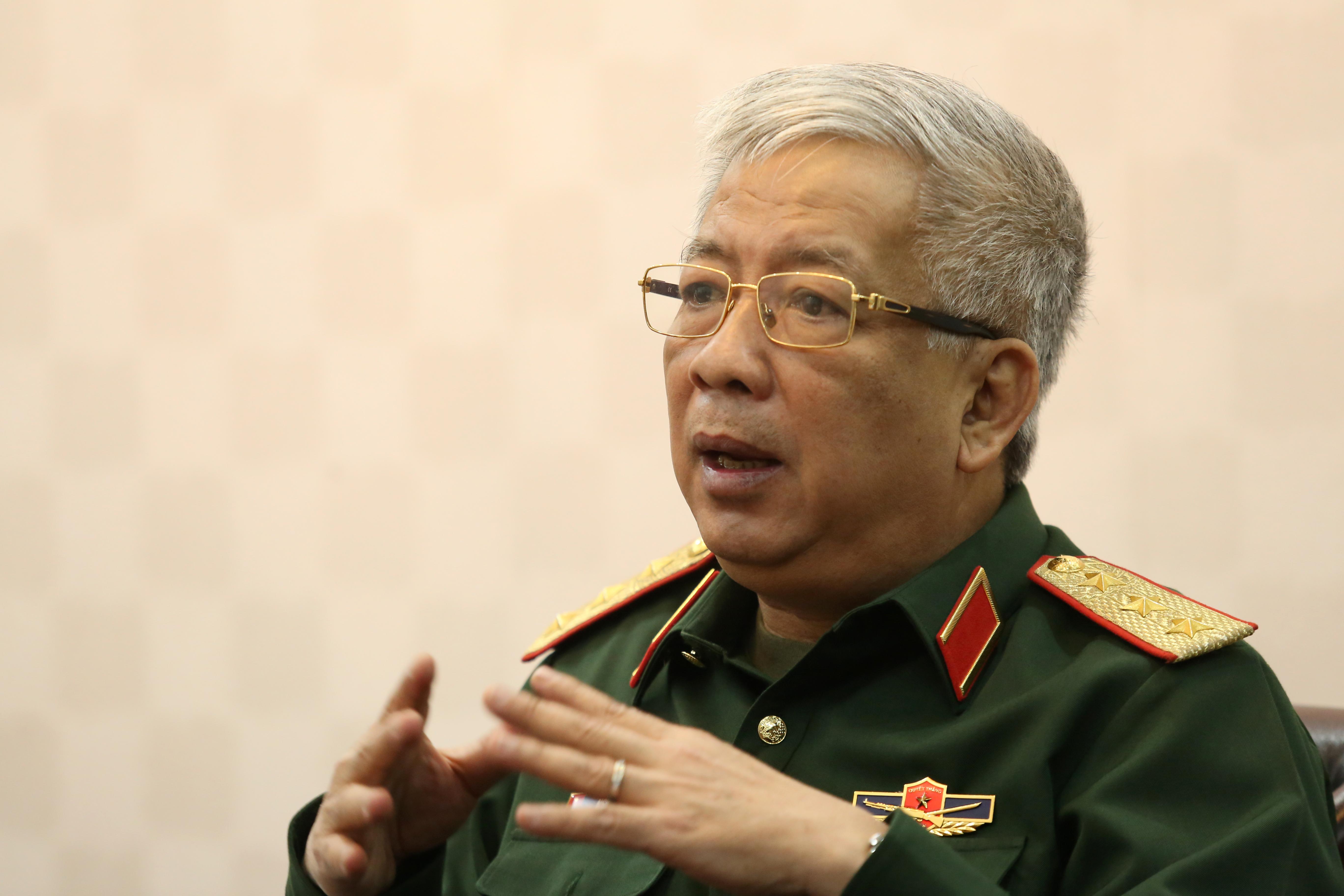 Tướng Vịnh nói về sử dụng vũ khí
