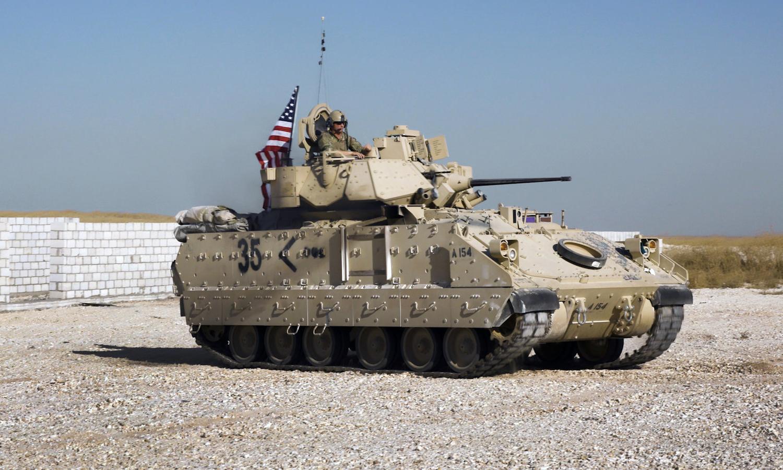 Nhóm lính Mỹ canh mỏ dầu, chống IS ở miền đông Syria