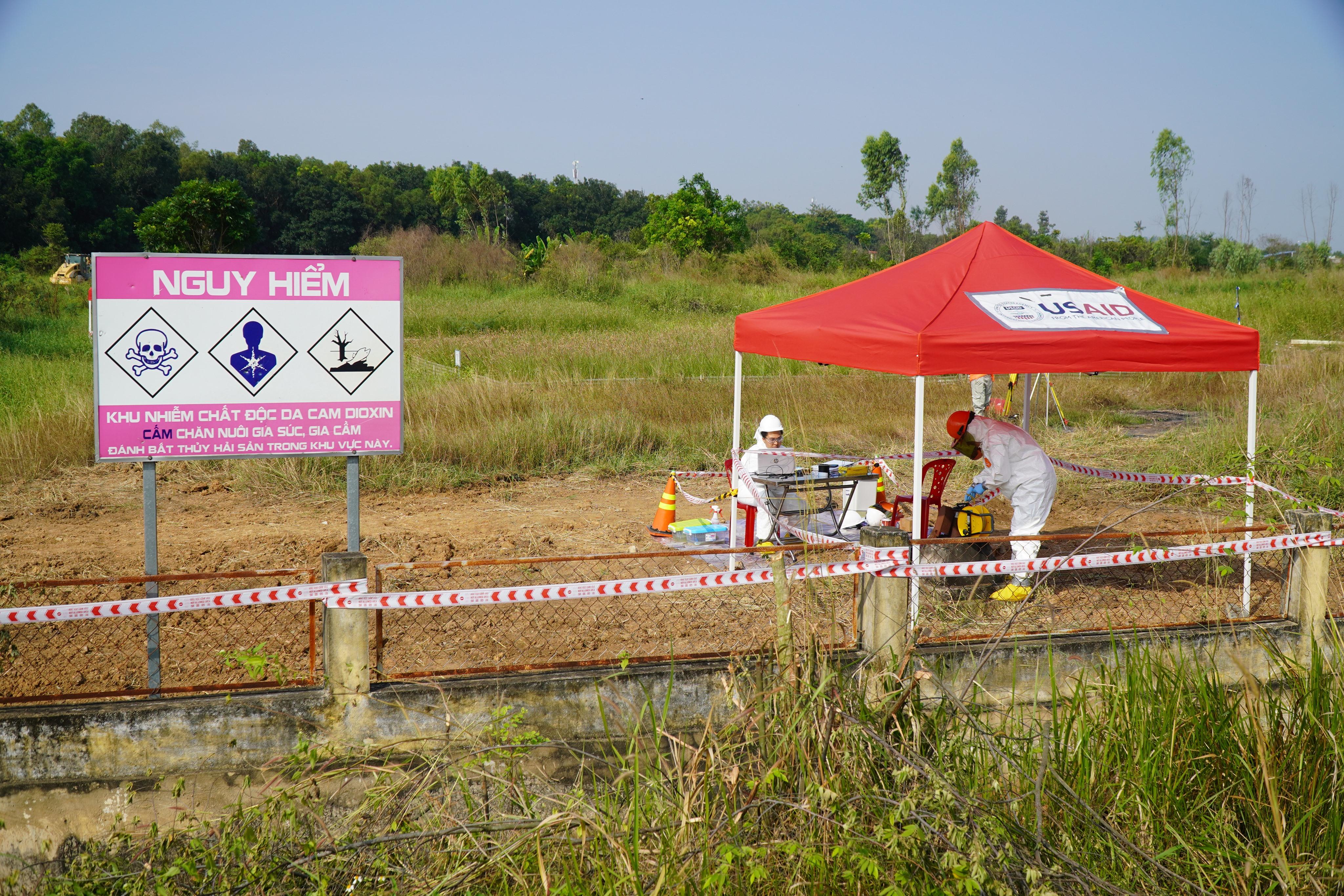 Mỹ xử lý 500.000 m3 đất nhiễm dioxin sân bay Biên Hòa