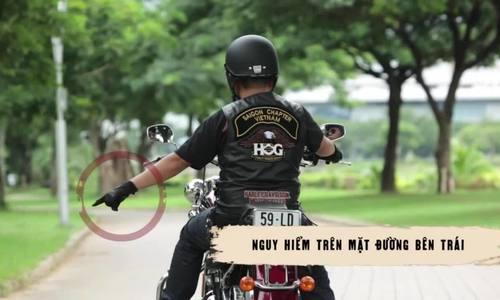 Tín hiệu tay khi lái môtô di chuyển theo đoàn