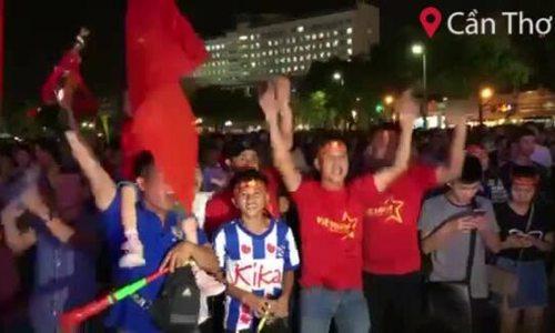 Người dân Cần Thơ, Cà Mau, Bình Thuận, Gia Lai ăn mừng