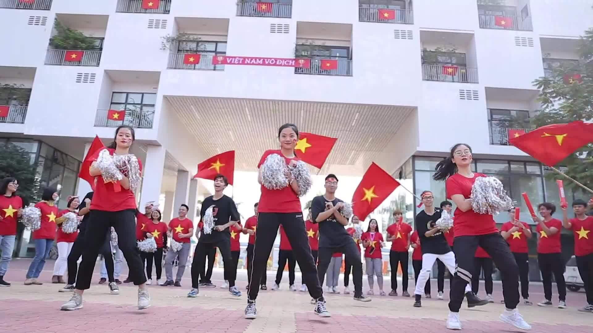 Thầy trò Đại học FPT làm video cổ vũ U22 Việt Nam