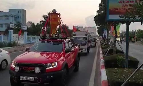 video đoàn xe ở Cà Mau