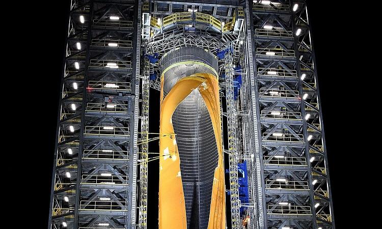 NASA thử phá thủng tên lửa mạnh nhất thế giới