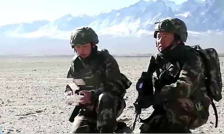 Dân binh Trung Quốc diễn tập chống khủng bố tại Tân Cương