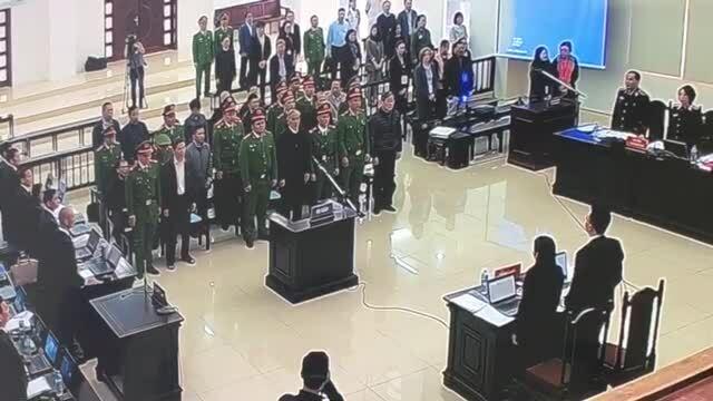 Hai cựu bộ trưởng Thông tin và Truyền thông hầu toà [vid trong tòa]