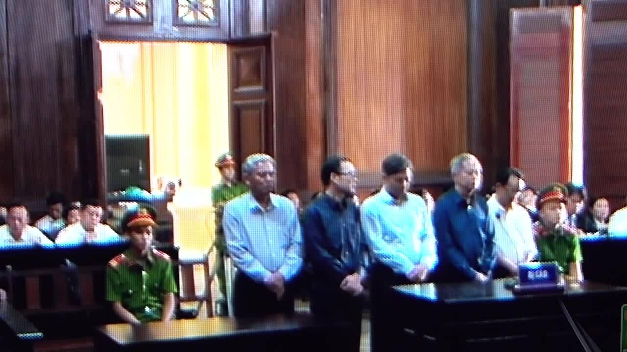 Video VKS đề nghị mức án Nguyễn Hữu Tín