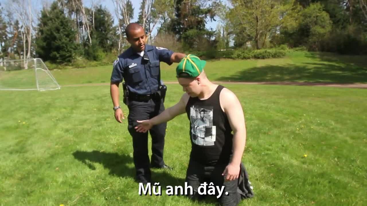 Sự tôn trọng của cảnh sát với người dân