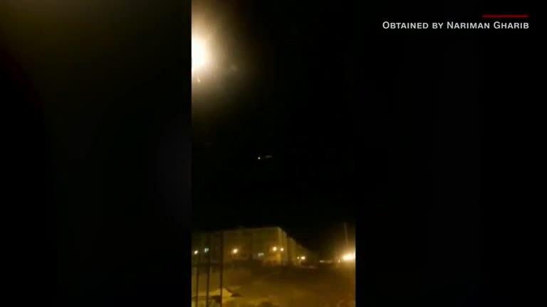 Xuất hiện video nghi tên lửa Iran trúng máy bay Ukraine