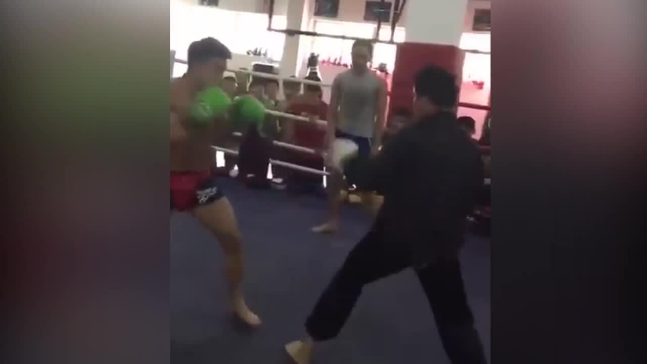 Cao thủ Võ Đang bị võ sĩ quyền anh knock out trong 7 giây