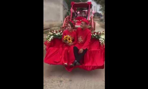 Chú rể ở Huế rước dâu bằng dàn máy cày