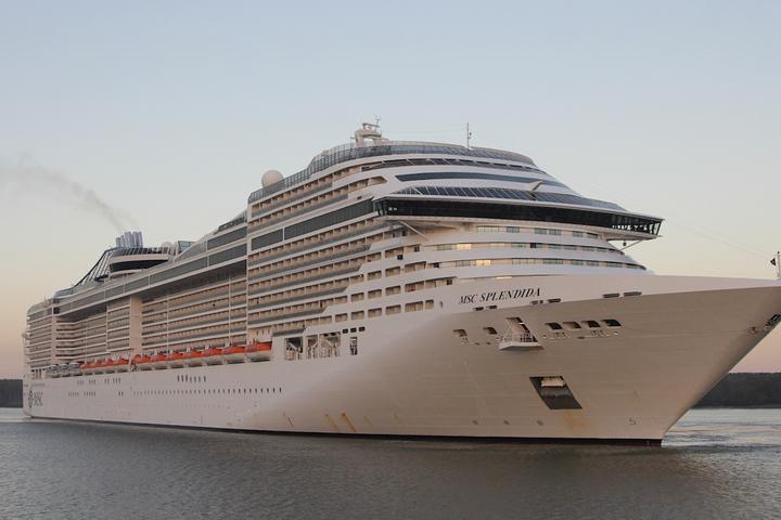 Круиз MSC Splendida перевозит 1400 туристов, пришвартованных к порту Тхи-Вай - Вунг-Тау (ВИДЕО)