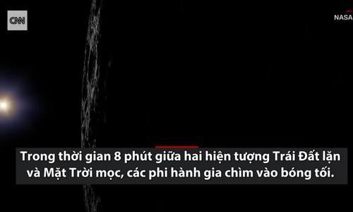 Cận cảnh nửa tối Mặt Trăng nhìn từ tàu vũ trụ