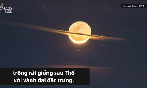 Mặt Trăng 'ngụy trang' thành sao Thổ