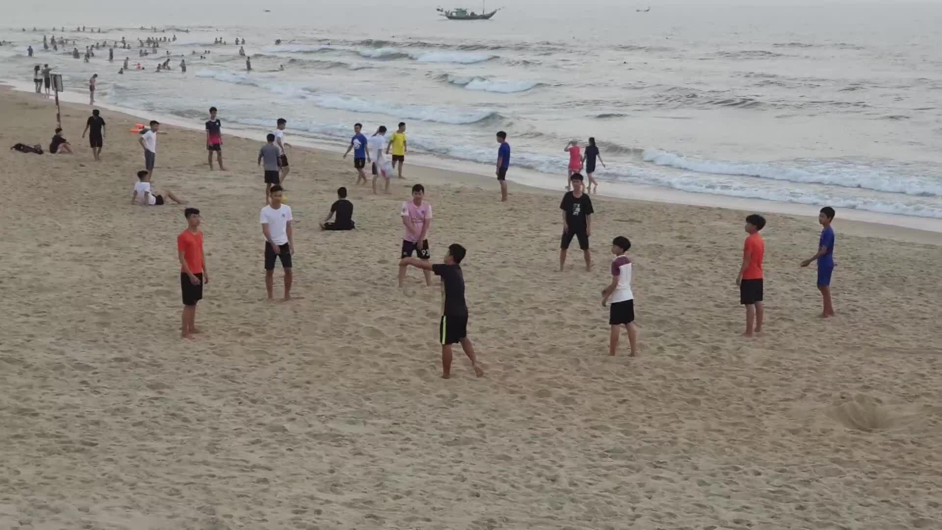 Quảng Nam đóng cửa bãi tắm công cộng