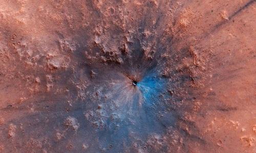 Sao Hỏa từng có hai hồ nước khổng lồ dưới bề mặt