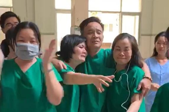 Bác sĩ Bình Thuận oa khóc khi bệnh nhân cuối âm tính