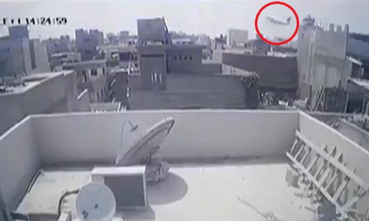 Phút cuối của máy bay gặp nạn ở Pakistan