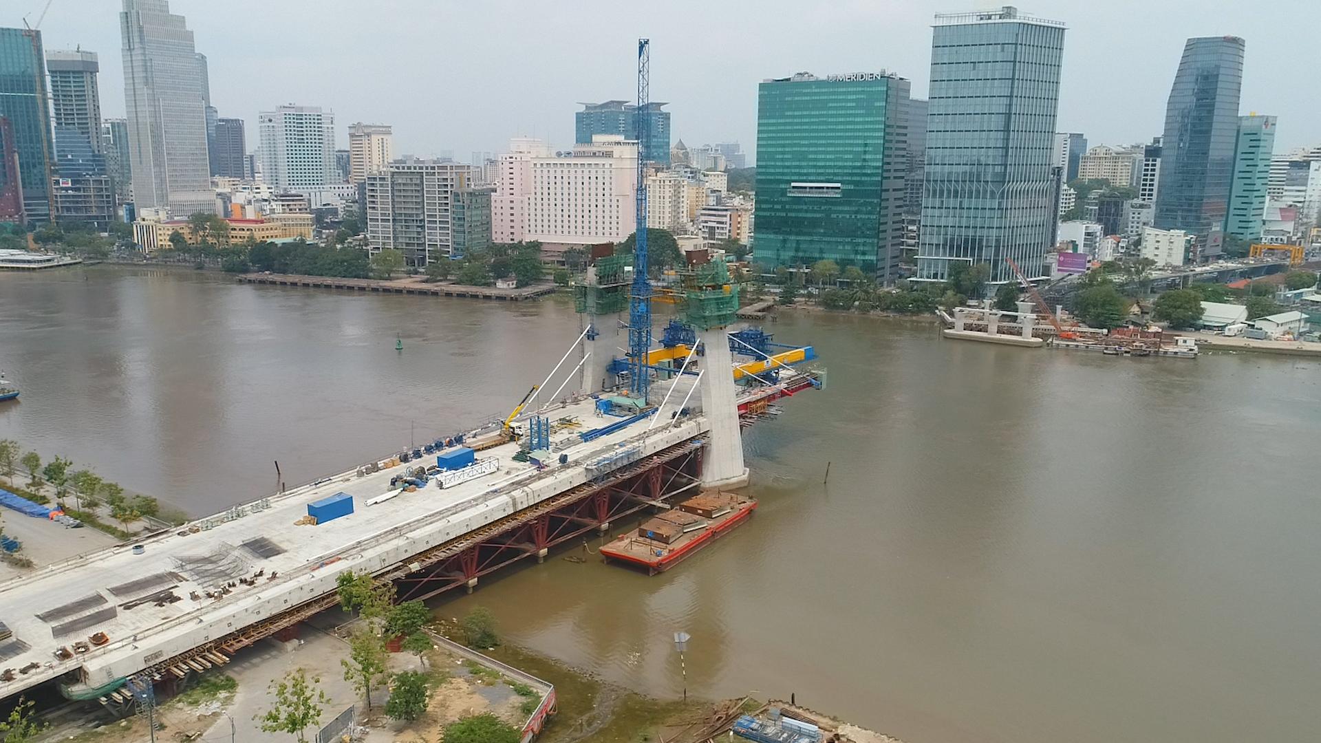Cầu Thủ Thiêm 2 đang dần hoàn thiện