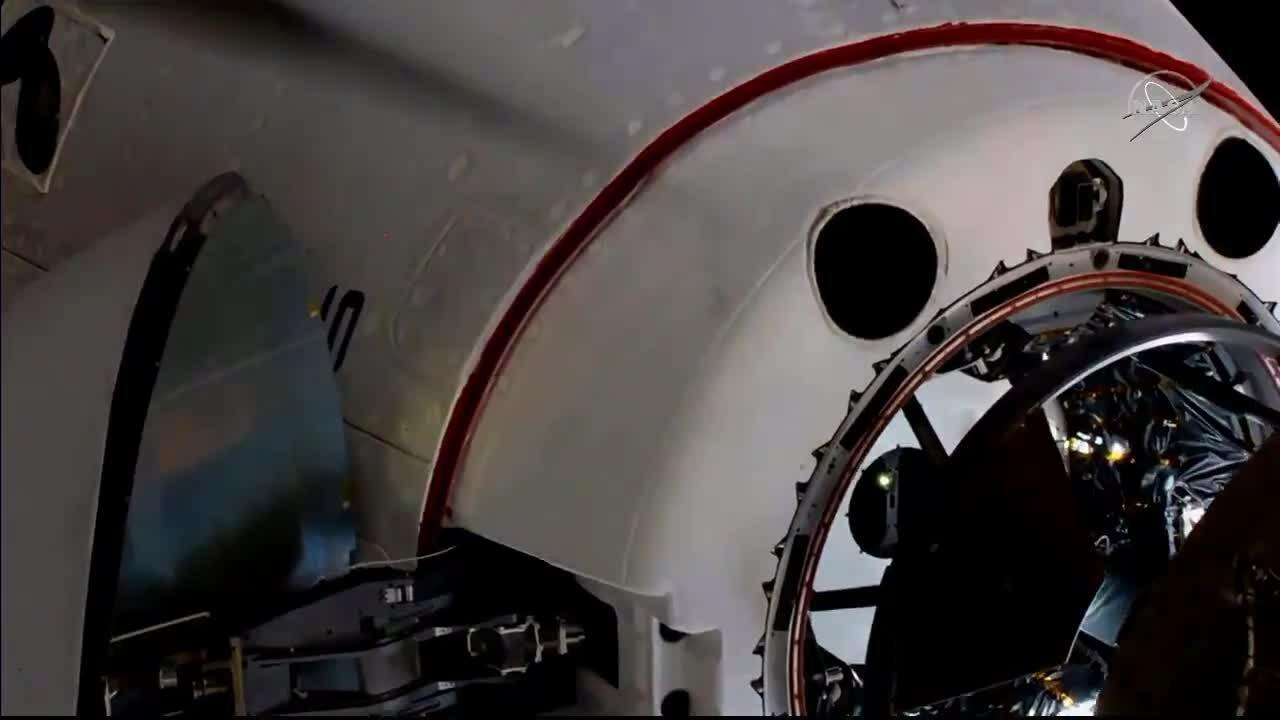 Tàu chở người SpaceX ghép nối thành công với trạm vũ trụ