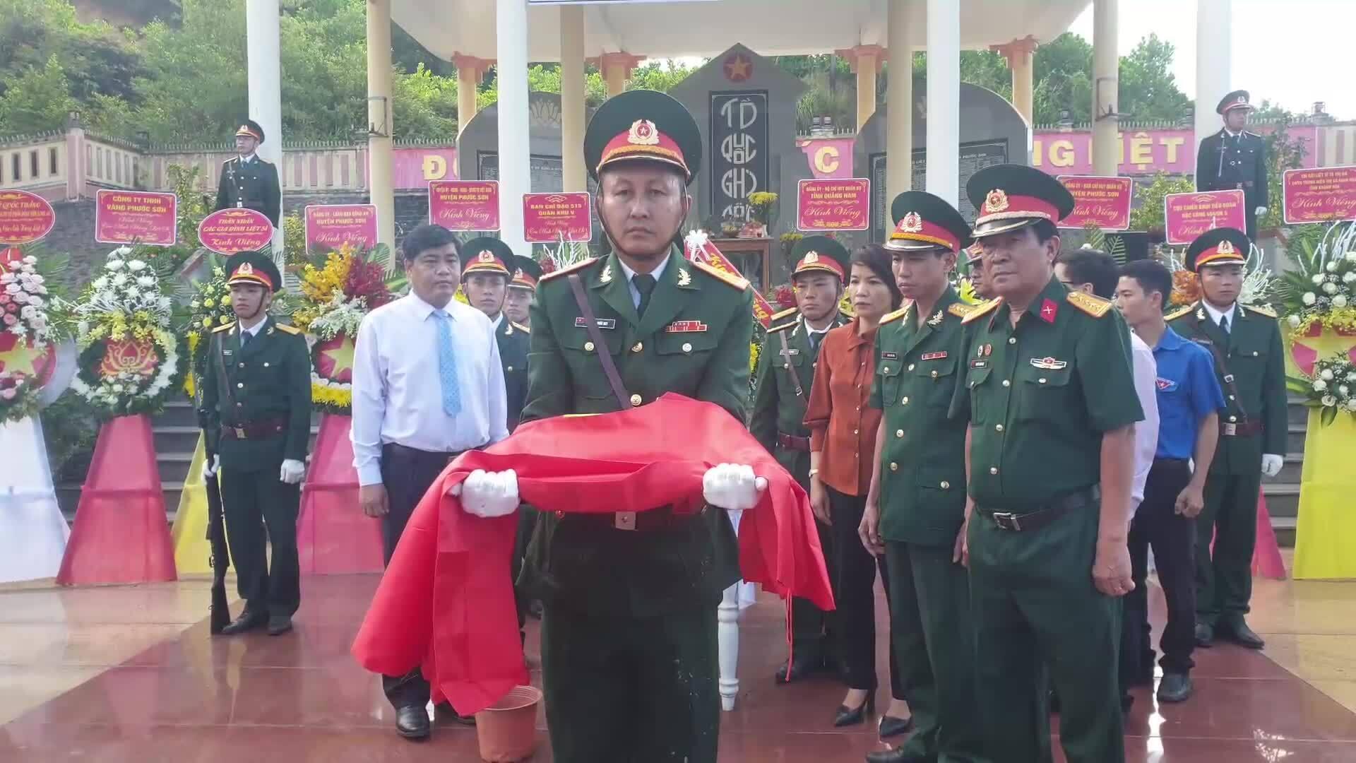 An táng 17 chiến sĩ đặc công