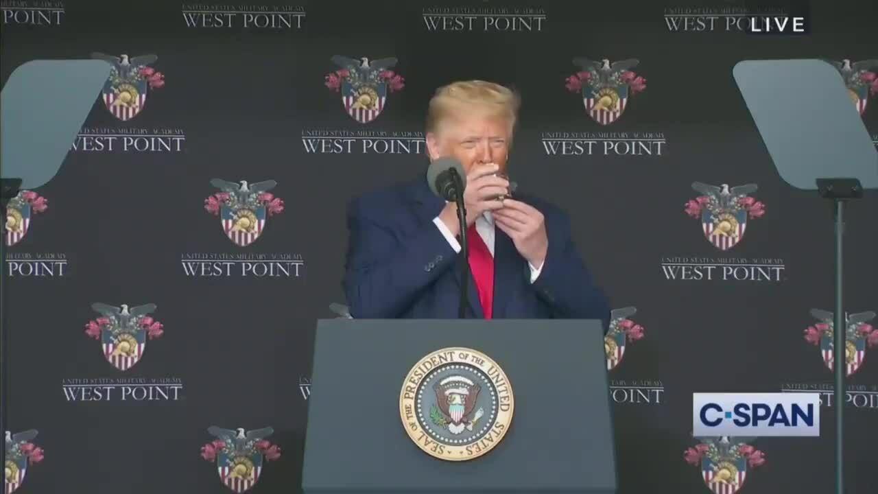 Nghi vấn về sức khỏe của Trump