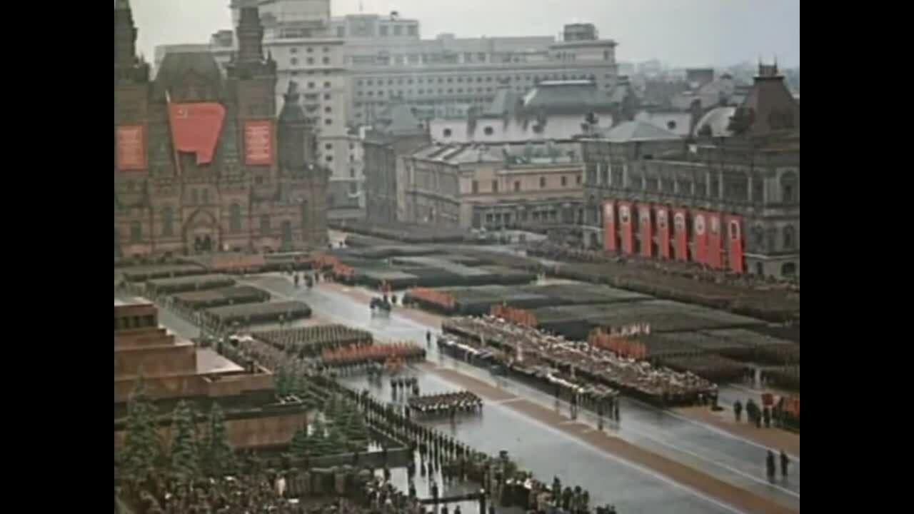 Cuộc duyệt binh huyền thoại của Liên Xô cách đây 75 năm