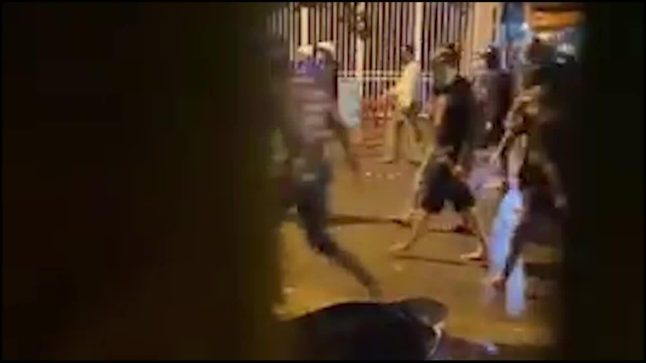 Hai nhómthanh niên hỗn chiến trên đường phố