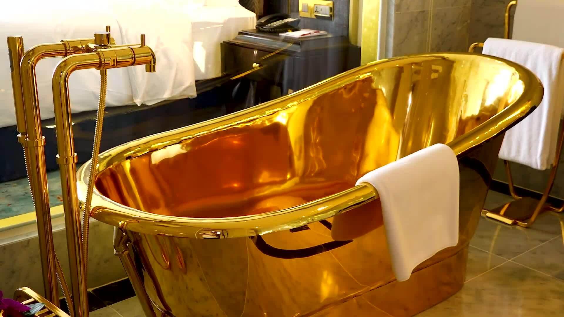 Khách sạn phủ vàng đầu tiên ở Hà Nội