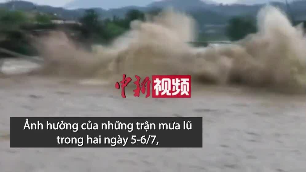 Cầu 400 năm tuổi ở Trung Quốc bị lũ tàn phá