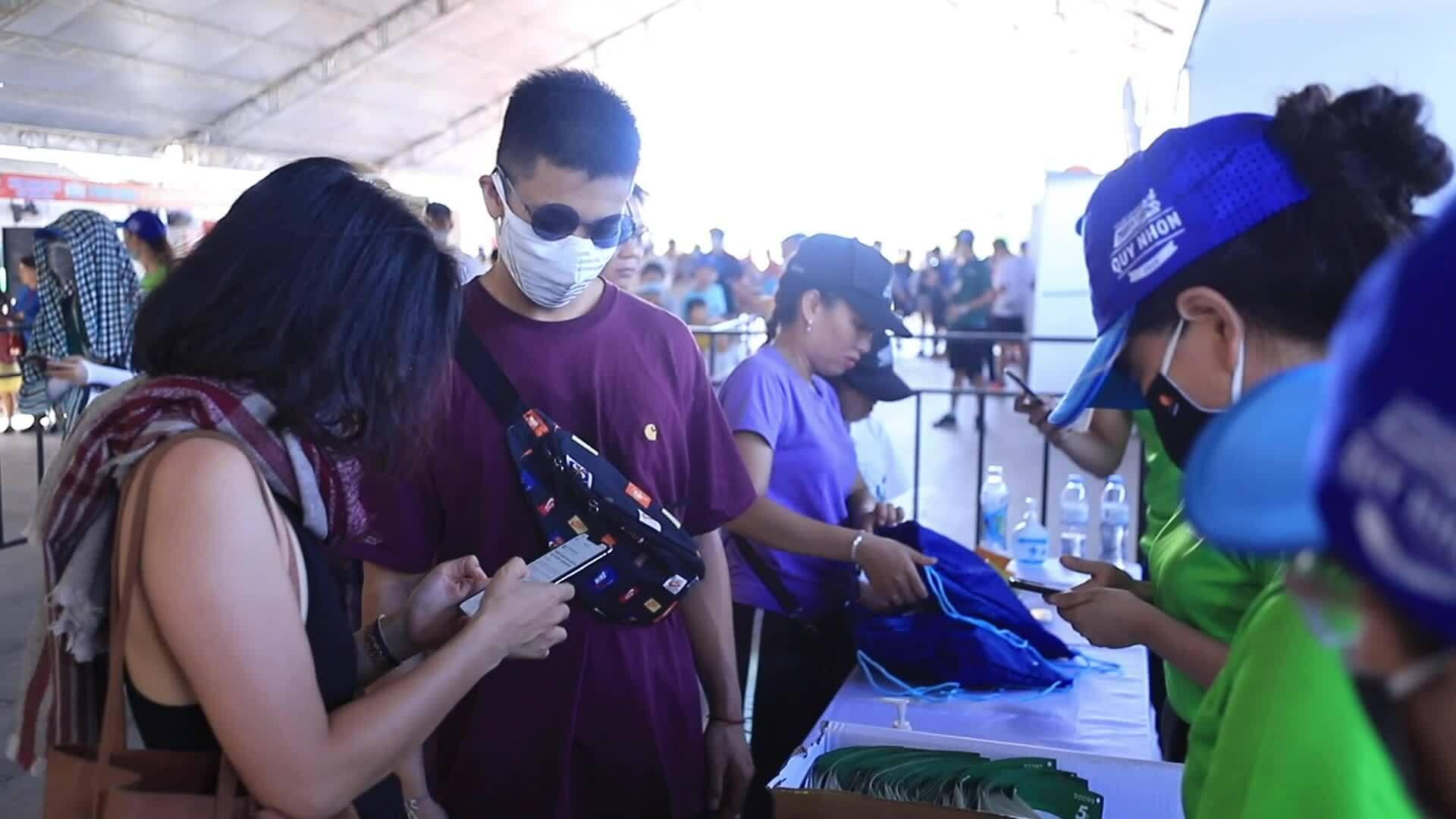 Nghệ sĩ Việt lan tỏa thông điệp tích cực tại VnExpress Marathon