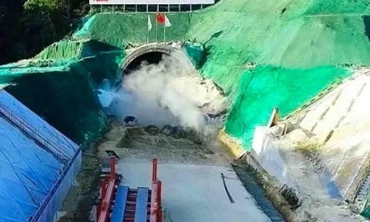 Trung Quốc xây hầm đường sắt vượt biển tốc độ 350 km/h