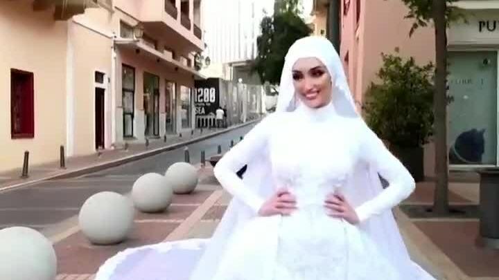 Chụp ảnh cưới ngay lúc xảy ra vụ nổ ở Beirut