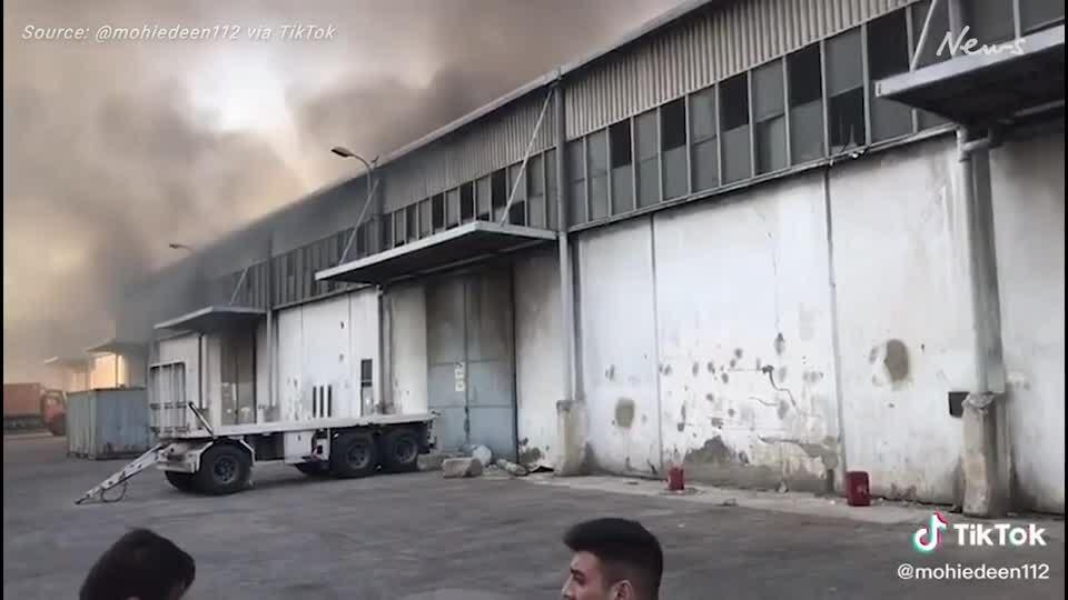 Ảnh ba lính cứu hỏa cố ngăn vụ nổ Lebanon