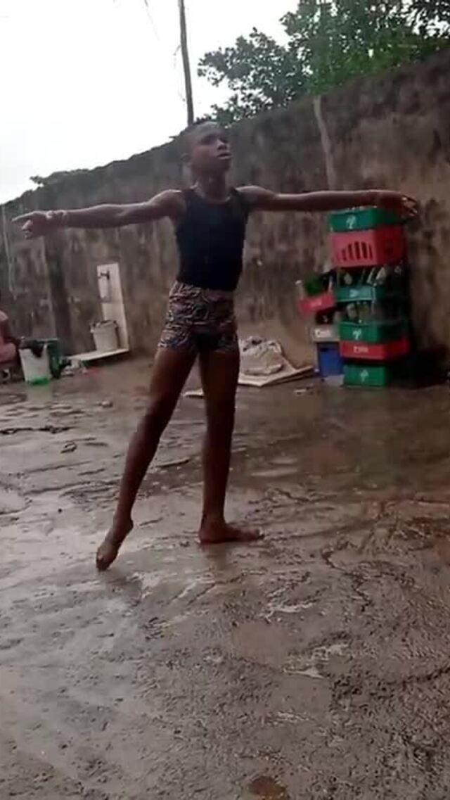 Cậu bé giành học bổng Mỹ nhờ múa ballet dưới mưa
