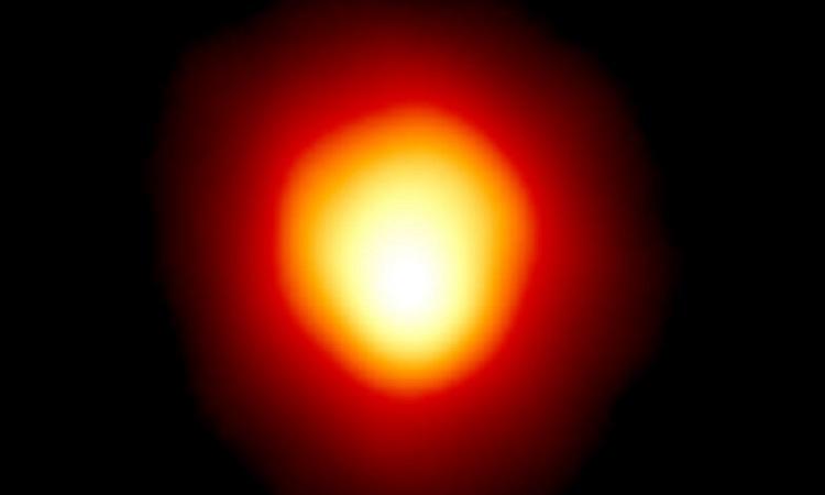 Kính Hubble chụp ảnh ngôi sao lớn gấp 1.400 lần Mặt Trời