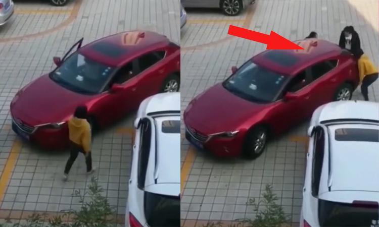 Ba người đẹp khiêng ôtô vì không thể vào 'chuồng'