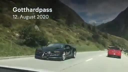 Bugatti Chiron đâm xe Porsche vì vượt ẩu