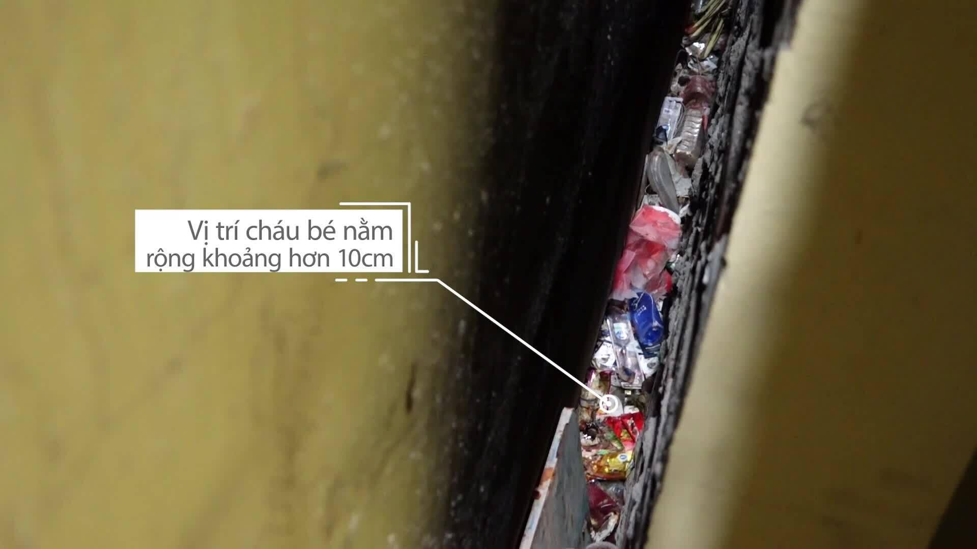Nhân chứng kể lại giây phút cứu bé trai bị bỏ rơi ở khe tường