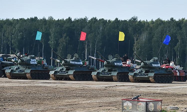 T-34 đua tốc độ tại lễ khai mạc Army Games