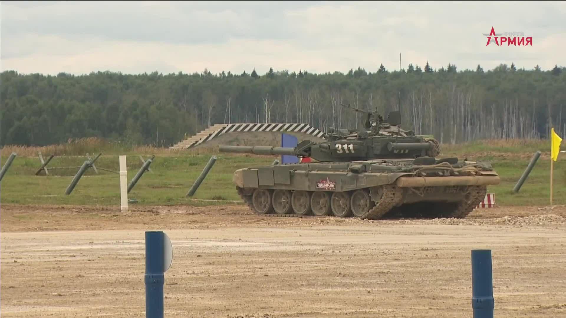 Xe tăng Nga liên tiếp phóng tên lửa trượt mục tiêu