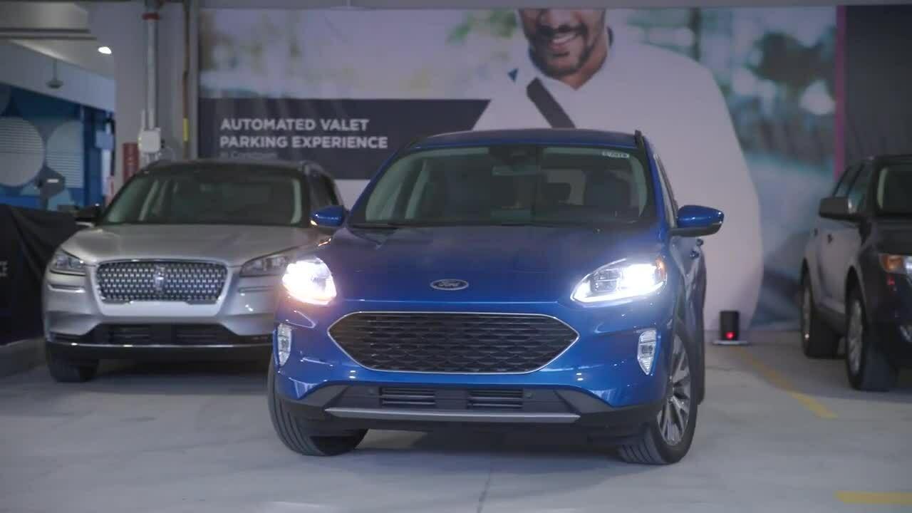 Ford thử nghiệm công nghệ đỗ xe tự động