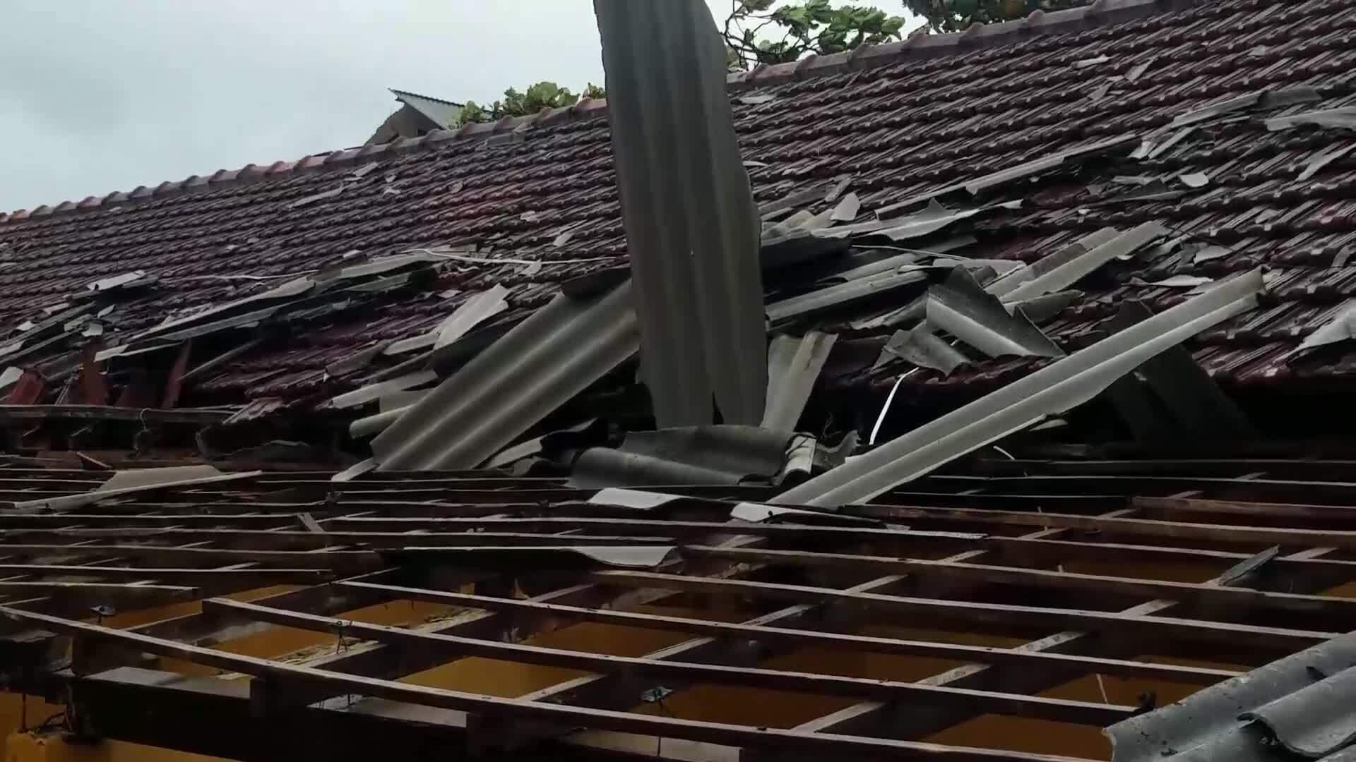 Video bão số 5 Thừa Thiên Huế