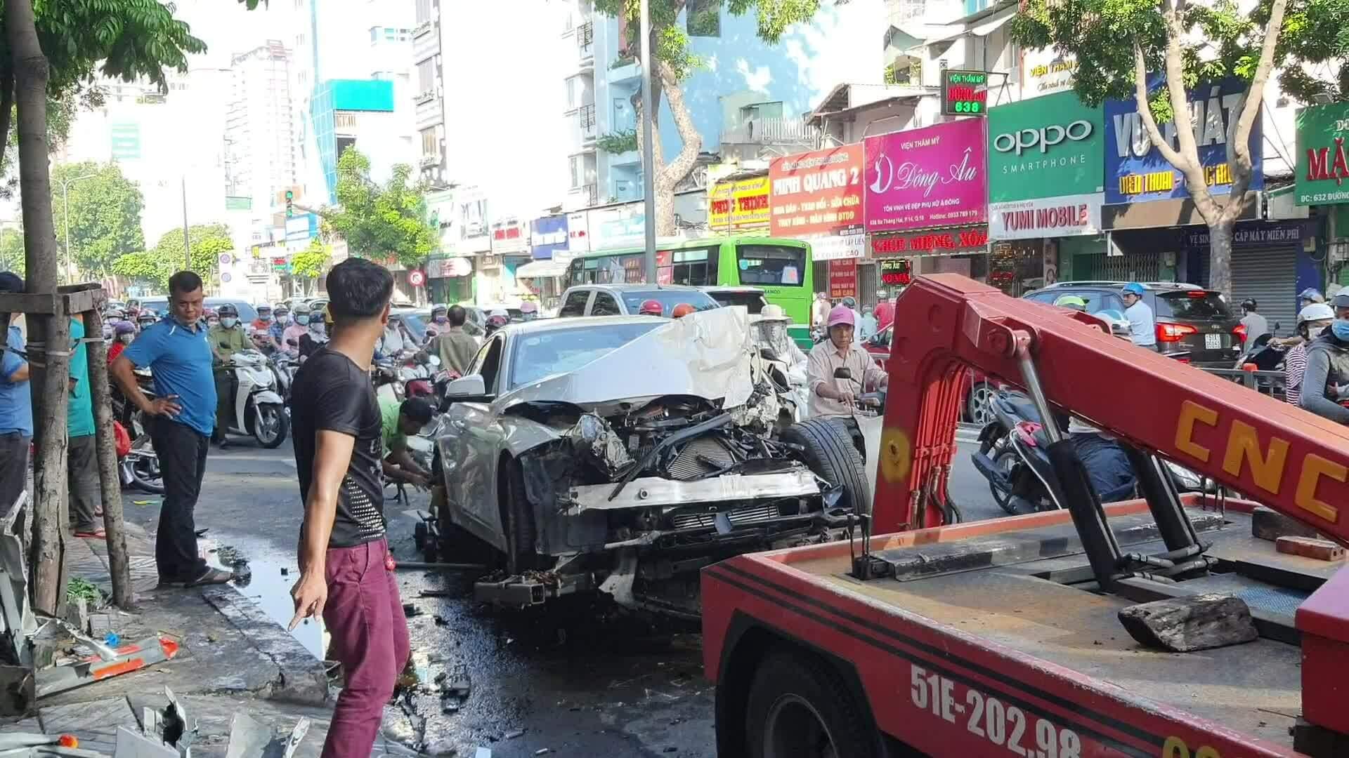Video minh họa hiện trường tai nạn BMW