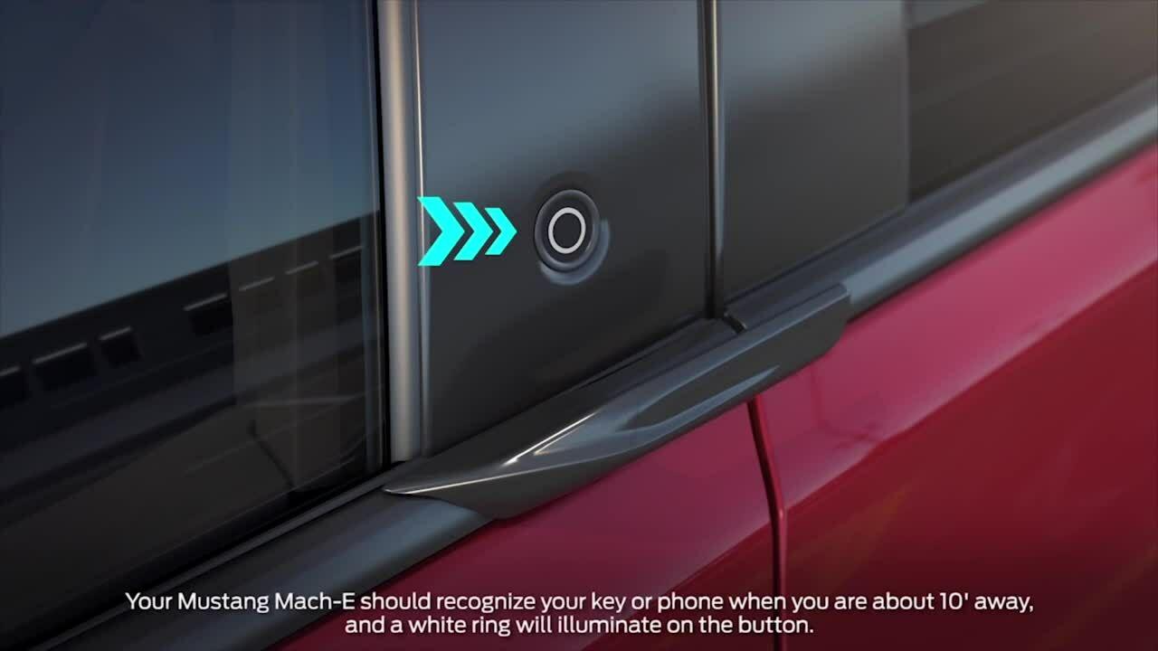 Ford giải thích cách mở cửa xe điện Mustang Mach-E