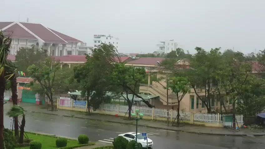 Bão Molave đổ bộ Quảng Nam - Quảng Ngãi