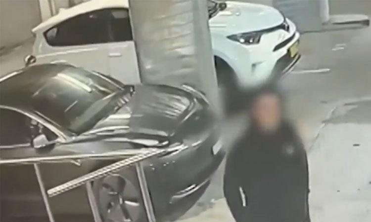 Nữ tài xế khiến hai tên trộm ôtô 'hồn xiêu phách lạc'