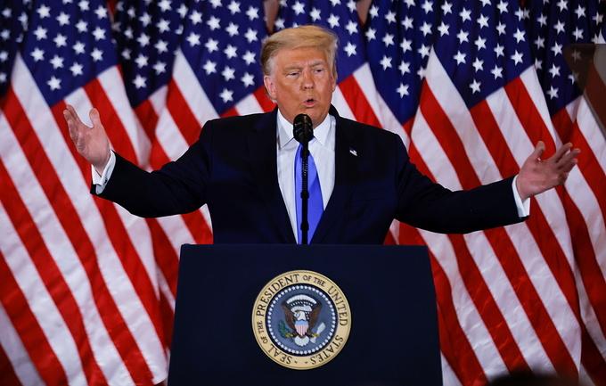Trump tuyên bố 'đã thắng', tố 'có gian lận'